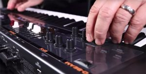 The difference between acoustic and digital pianos - Roland