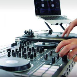 How to Craft a Good DJ Set - Roland Australia Blog