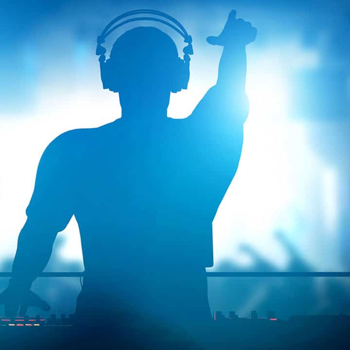 Getting Your First DJ Gigs - How To Go From The Bedroom To