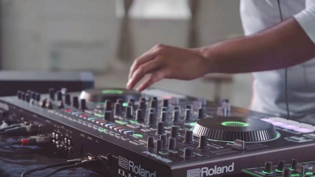 Craft a DJ set