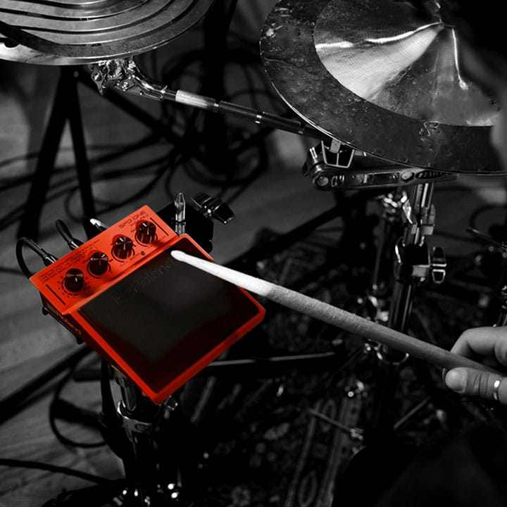 The easy way to use backing tracks and samples live at the gig