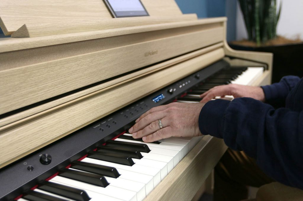 learn to play a digital piano