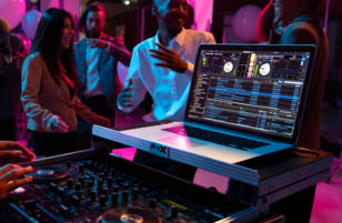 Live Streaming on the DJ-707M