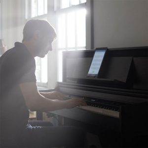 a guy playing LX706